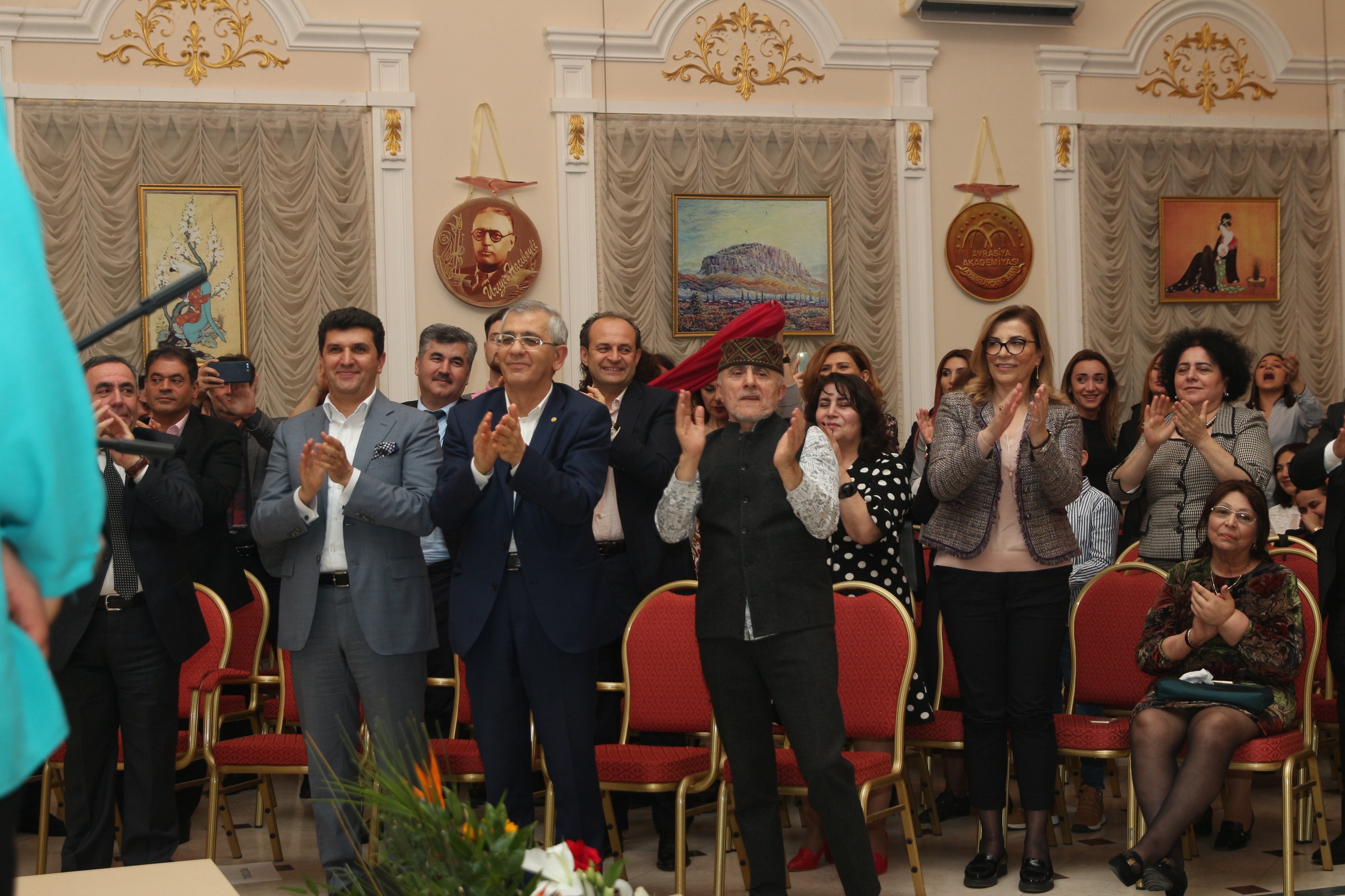 Nab Holding - Shahram Eromi, Hamlet İsahanlı